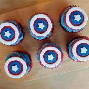 captain america cupcakes