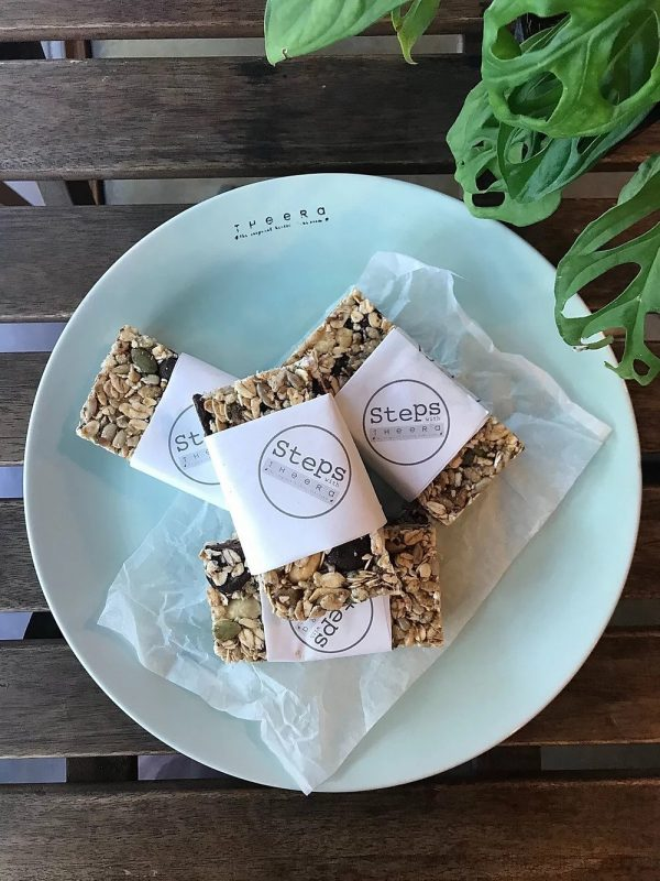 vegan energy bar with chocolate and dried fruits 2